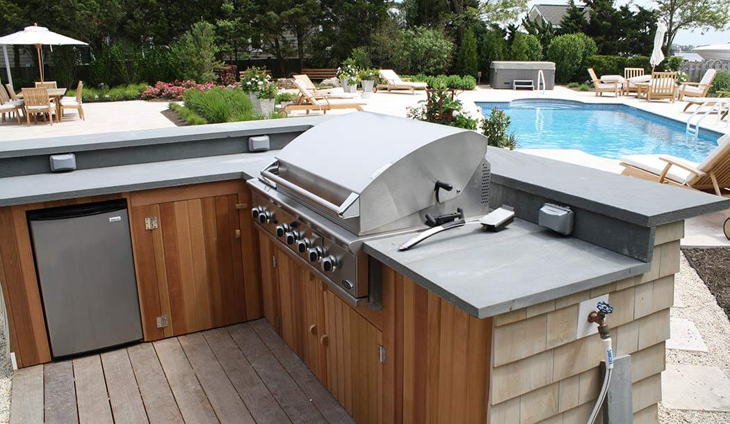 Outdoor Kitchens and Grilling